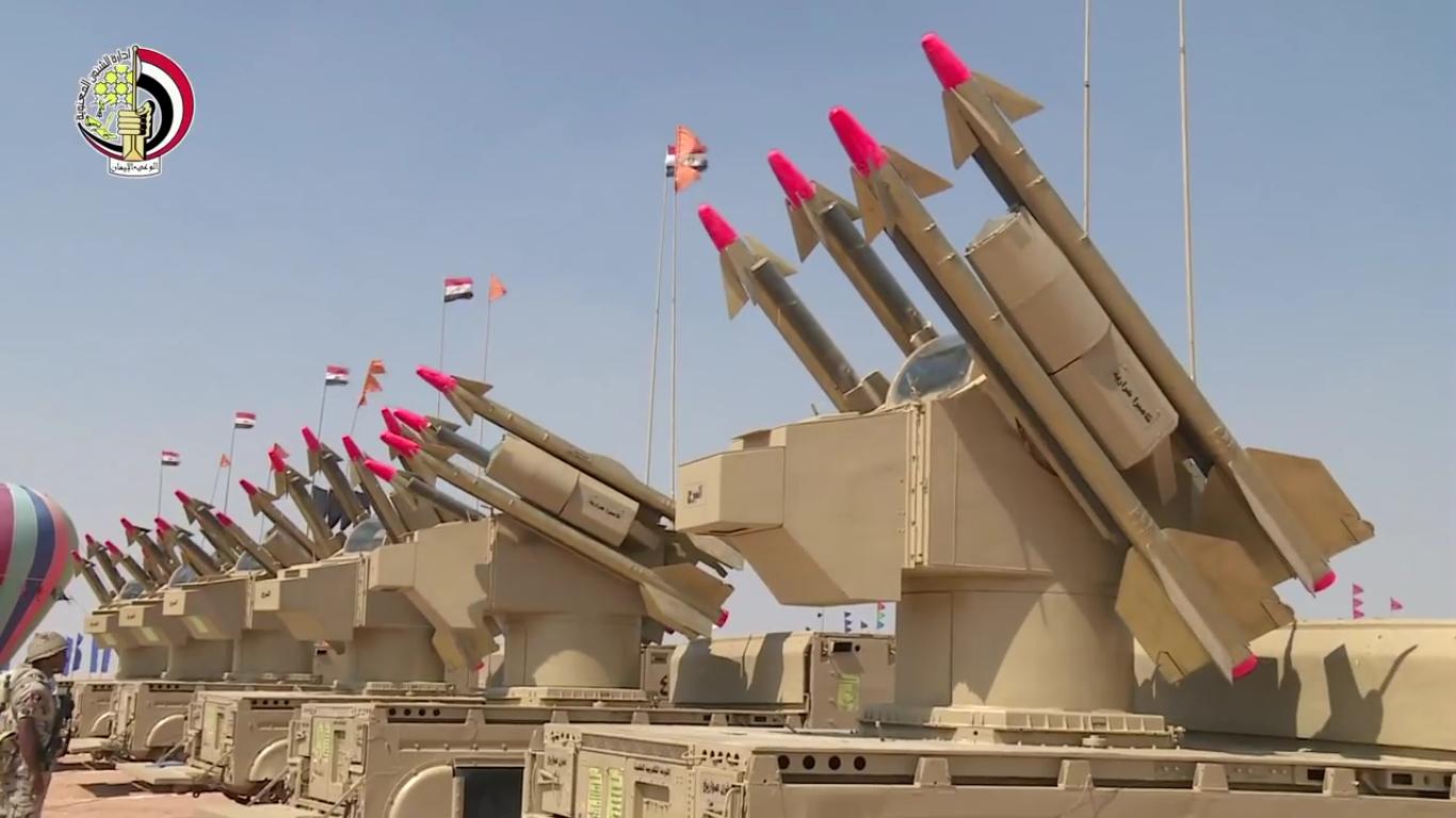 أول صدقى صبحى يتفقد إجراءات تفتيش الحرب لإحدى تشكيلات الجيش الثالث الميدانى[(003066)2016-07-0...JPG