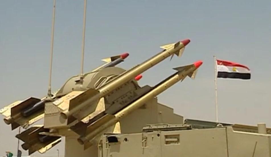 أول صدقى صبحى يشهد أحد الأنشطة التدريبية لقوات الدفاع الجوى[(001961)2020-03-01-16-52-26]123...jpg
