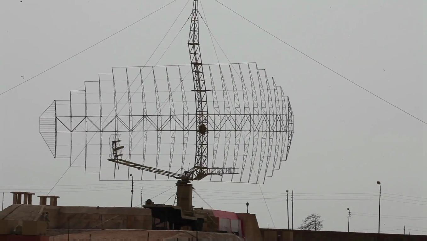 السيسى يشهد بيان الرماية الصاروخية -حماة السماء- لوحدات الدفاع الجوى - YouTube[(001734)2018-1...JPG