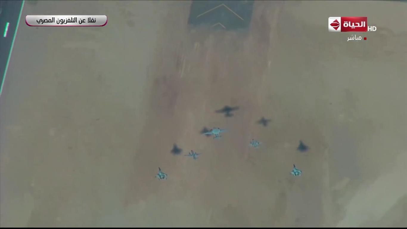 السيسي يشهد بعض العروض الجوية خلال إفتتاح قاعدة برنيس العسكرية[(000516)2020-01-18-12-41-29]...JPG