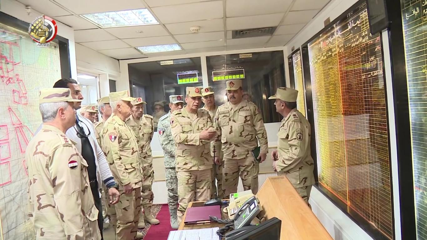 الفريق أول محمد زكى يتفقد أحد تشكيلات قوات الدفاع الجوى[(001640)2019-03-30-03-18-14].JPG