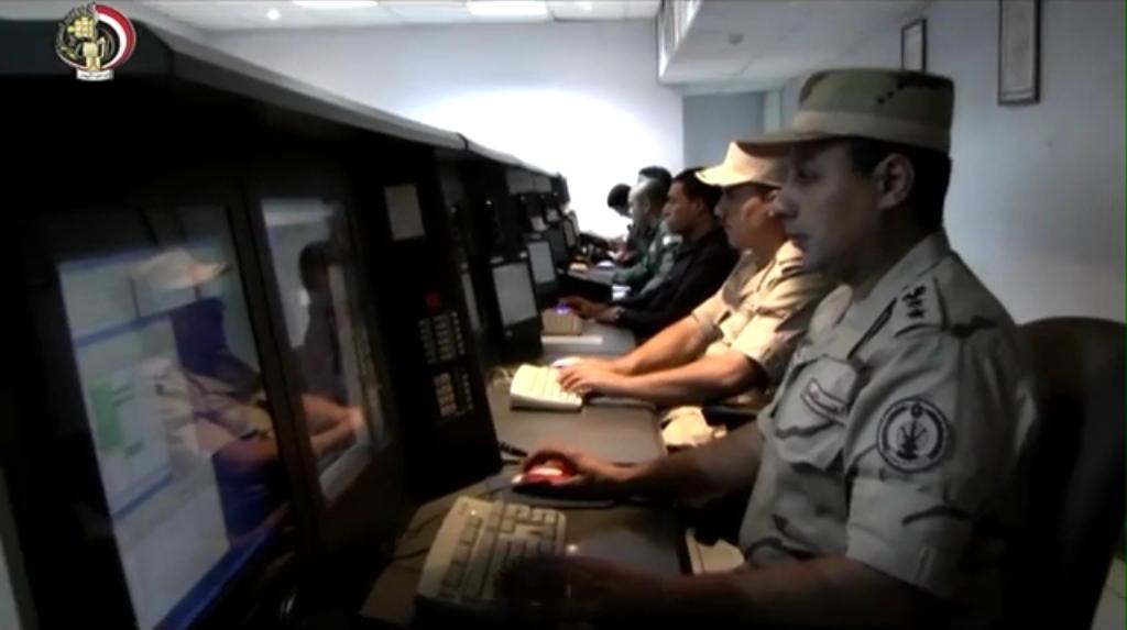 المسلحة تنفذ عملية برمائية بجنوب سيناء ضمن فعاليات المناورة بدر 2014 - YouTube[(003690)2016-...jpg