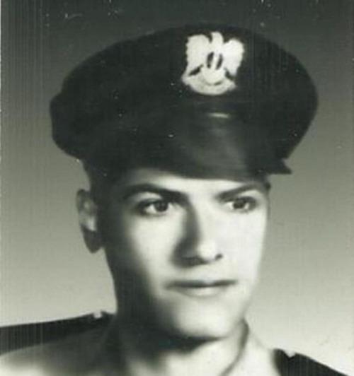 طالبا ضابطا في الكلية الجوية الشهيد ابراهيم زين الدين.jpg