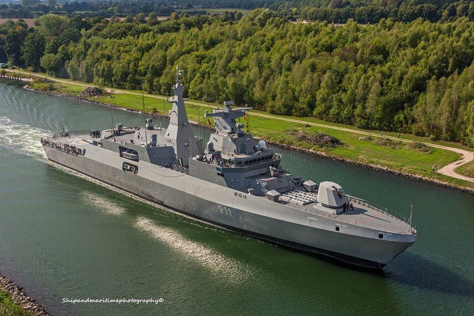Algerian frigate 911 el moudamir on the North Baltic Sea Channel 09.09.2018.jpg