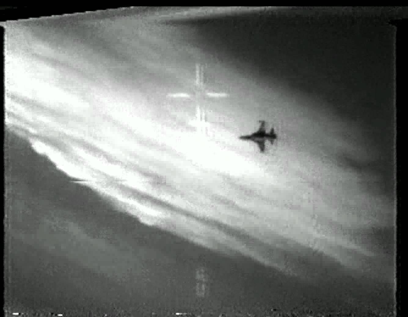 F-14 vs F-5.jpg