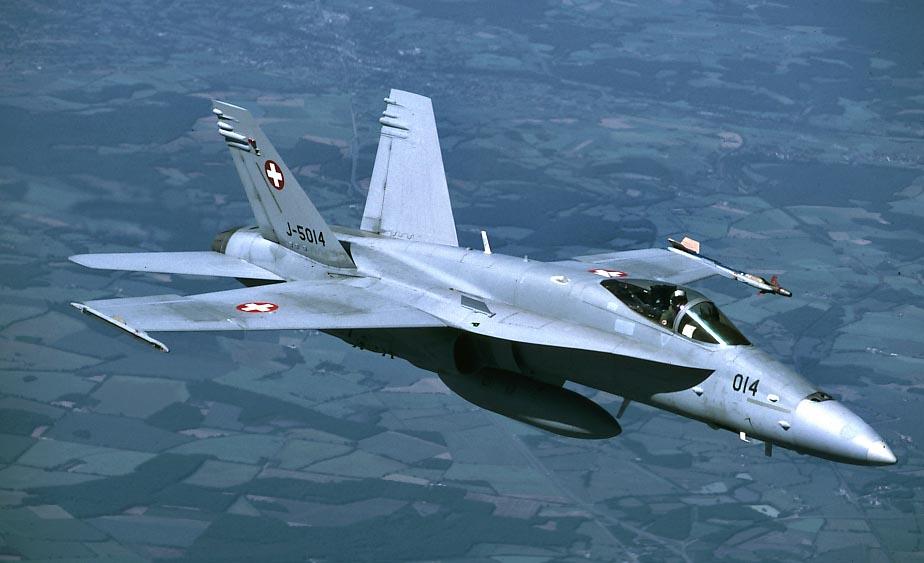 F18 J 5014.jpg