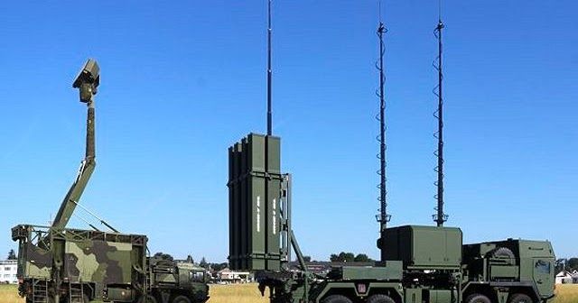 IRIS-T_SLS_surface-to-air_defense_missile_SAM_system_Diehl_Germany_German_defence_industry_mil...jpg