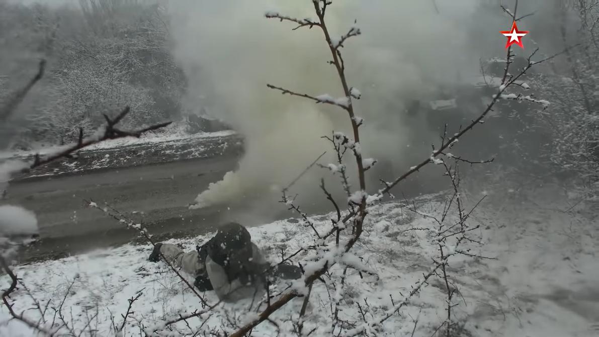 Screenshot_2021-04-12 Мотострелки ЧФ провели учение на горном полигоне в Крыму(10).png