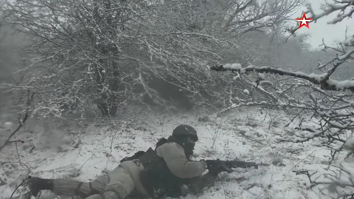 Screenshot_2021-04-12 Мотострелки ЧФ провели учение на горном полигоне в Крыму(13).png