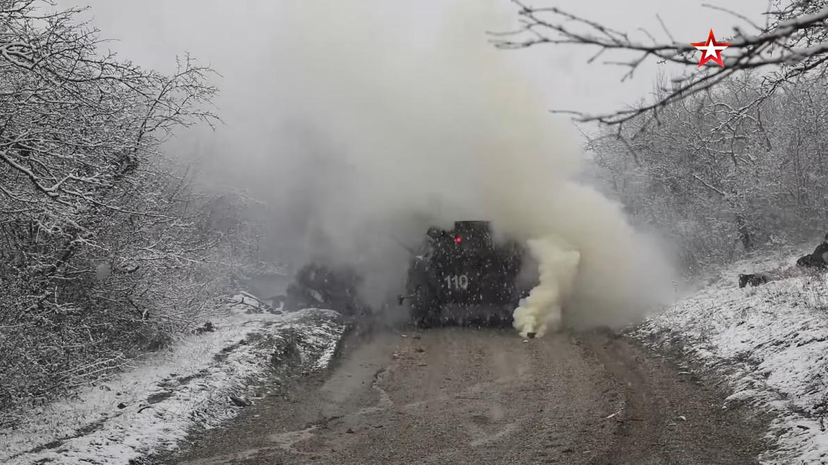 Screenshot_2021-04-12 Мотострелки ЧФ провели учение на горном полигоне в Крыму(9).png