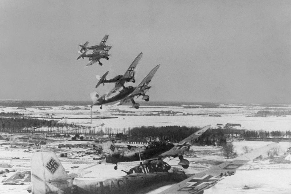 world-war-soviet-union-war-theater-german-air-force-a-news-photo-1602518717.jpg