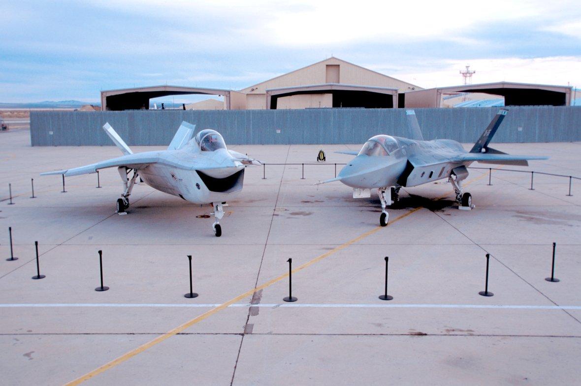 X-32_X-35_Edwards.jpg